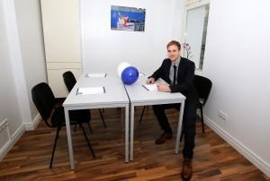 Bundesligaprofi Maximilian Beister eröffnet in Hamburg Nachhilfestudio Immerschlau.